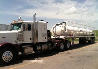 oilfield-trucking-vac